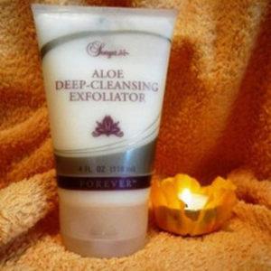 sonya-aloe-deep-cleansing-exfoliator-500x500